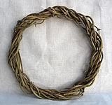 hop vine wreath form
